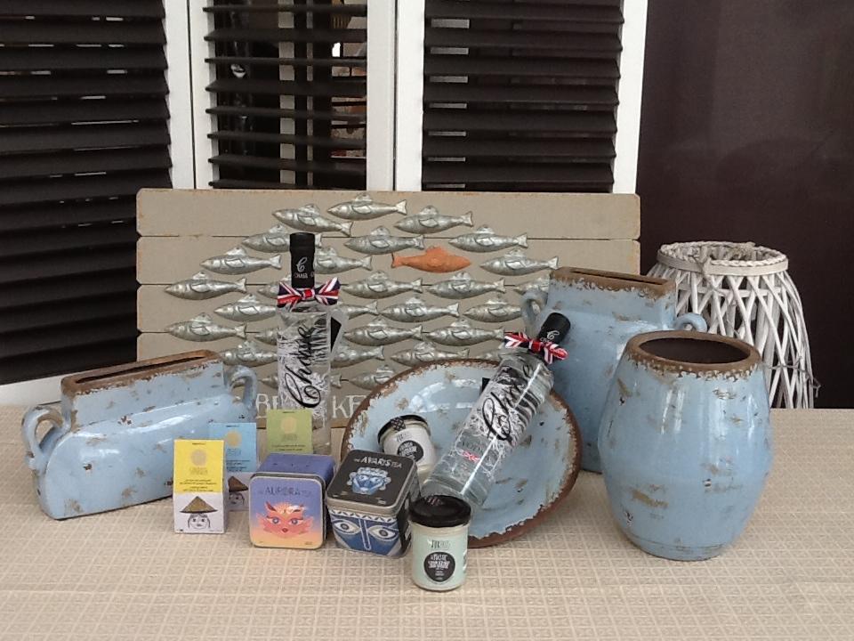 Ιδέες για δώρο με κεραμικά και παραδοσιακά . . .